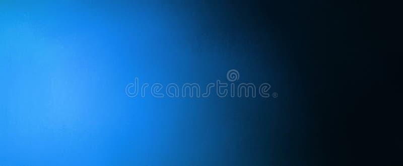Bannière bleue et noire abstraite de fond avec des couleurs bleues lumineuses de projecteur et de gradient image libre de droits