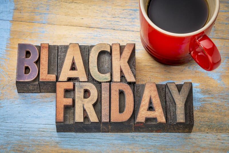 Bannière de Black Friday dans le type en bois image stock