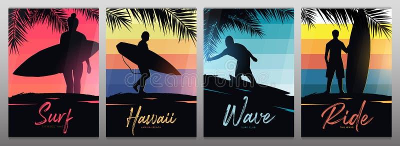 Bannières réglées des surfers avec des planches de surf sur le fond coloré de gradient avec des palmettes illustration libre de droits