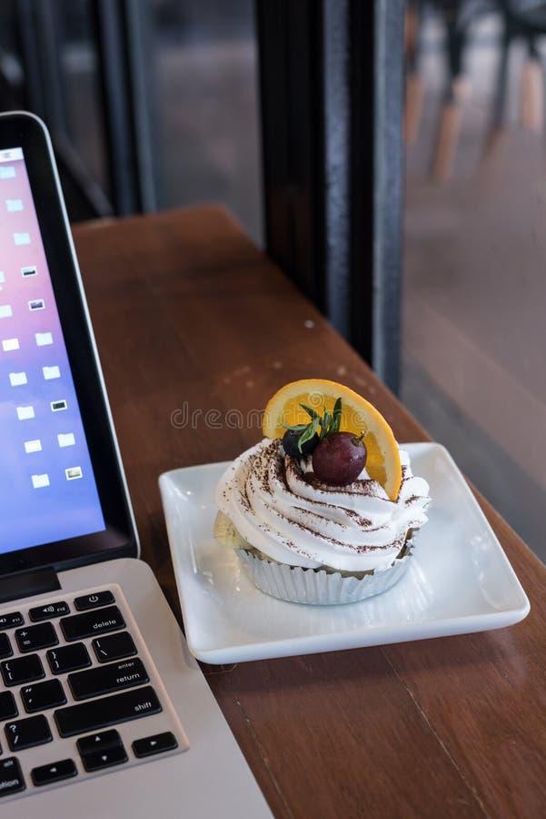 Banoffe в кофейне стоковая фотография rf