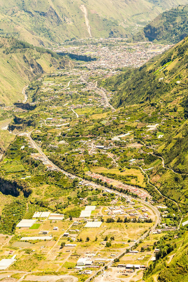 Banos DE Agua Santa Aerial Shot royalty-vrije stock afbeeldingen