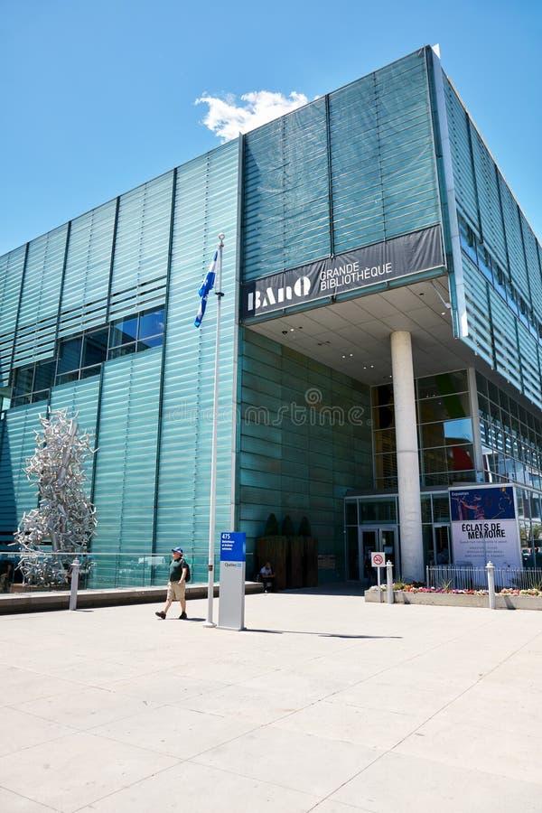 BanQ большое здание публичной библиотеки Bibliotheque в городском Монреале, Квебеке, Канаде стоковая фотография