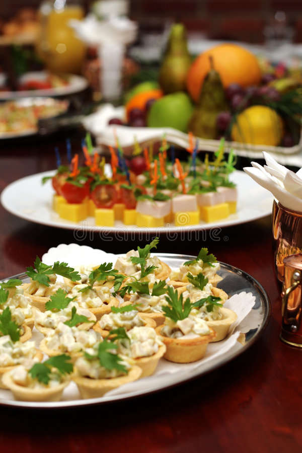 Free Banquet Table Royalty Free Stock Photo - 5286875