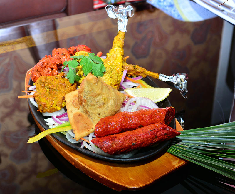 Banquete indiano do alimento imagem de stock royalty free
