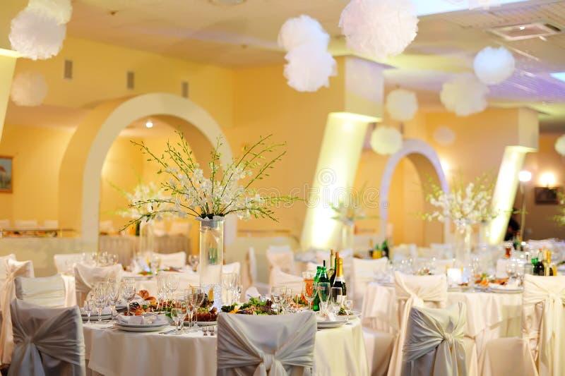 Banquete Wedding no restaurante fotografia de stock royalty free