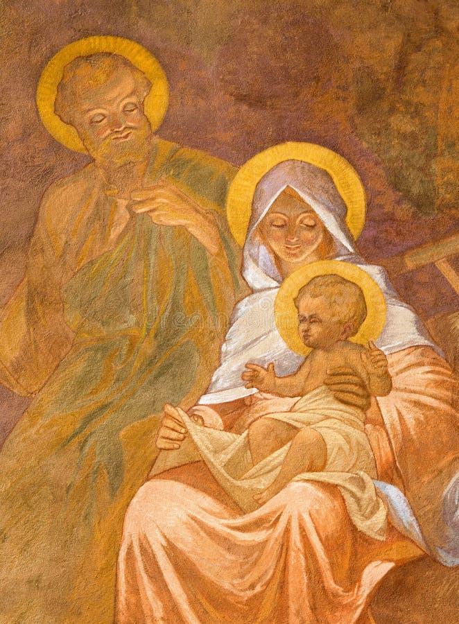 Banska Bela - фреска святой семьи в St. John церковь евангелиста к январь Antal (1905) как деталь обожания sheeph стоковые фотографии rf