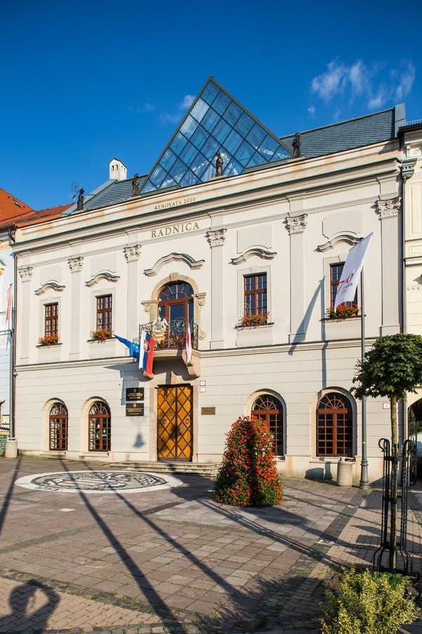 Banska Bystrica Σλοβακία - παλαιό κτήριο στο κύριο τετράγωνο - πόλη halle στοκ φωτογραφία με δικαίωμα ελεύθερης χρήσης