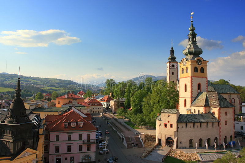 Banska Bystrica, opinião de Slovakia da torre inclinada fotografia de stock royalty free