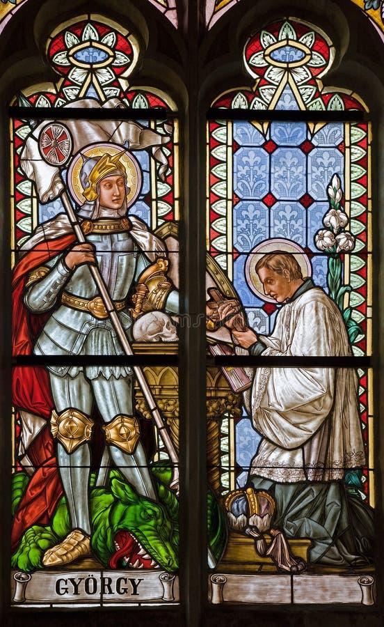 Banska Stiavnica - la vitre de l'église gothique de St Katharine avec Georg saint de 19 cent images stock