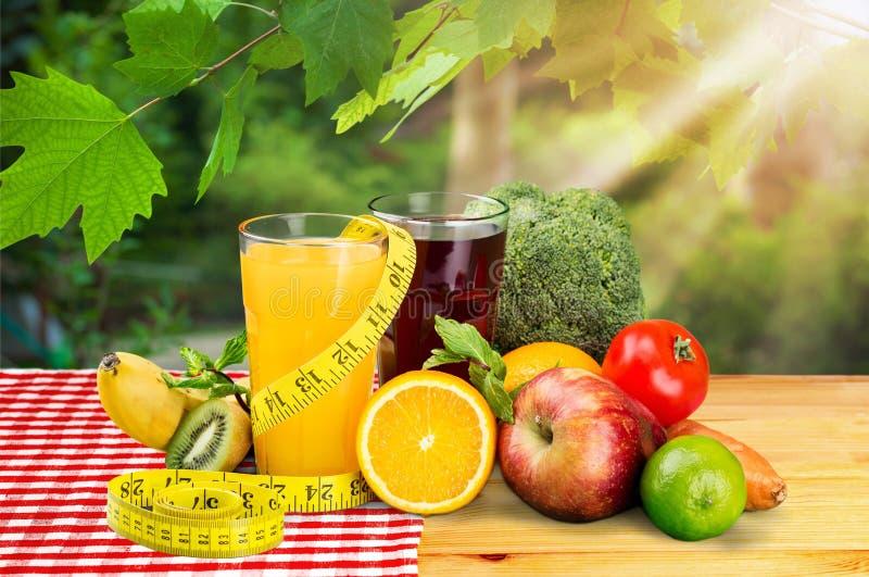 Banta begreppet för frukosten för viktförlust på bakgrund arkivfoto