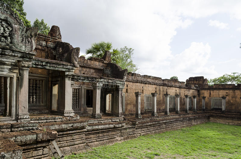 Download Banteay Samre stock photo. Image of sculpture, lost, offerings - 25092954