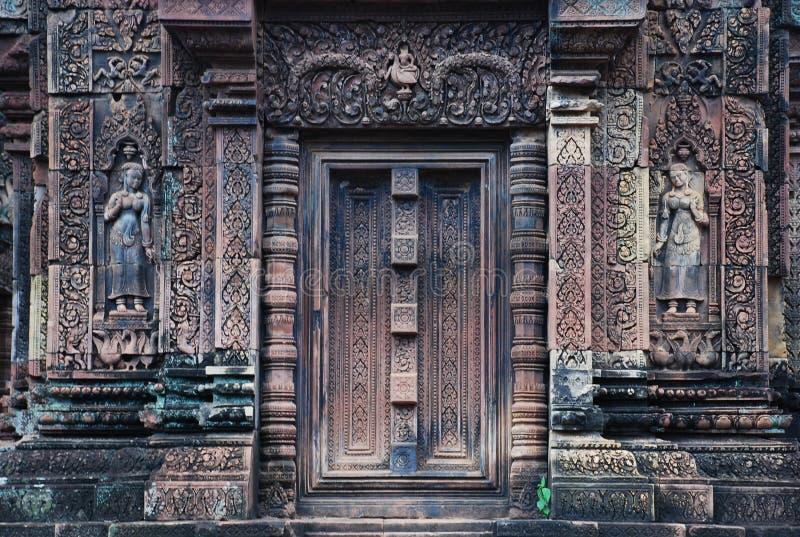 Banteai Srei garneringar, Angkor, Cambodja fotografering för bildbyråer