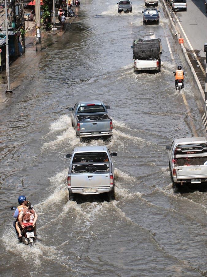 BANThai powódź uderza centralę Tajlandia, wysocy poziomy wody oczekiwać, podczas złego wylew zdjęcie royalty free