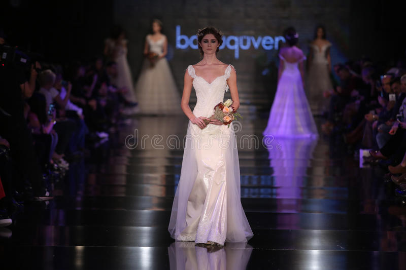Banu Guven Catwalk images stock