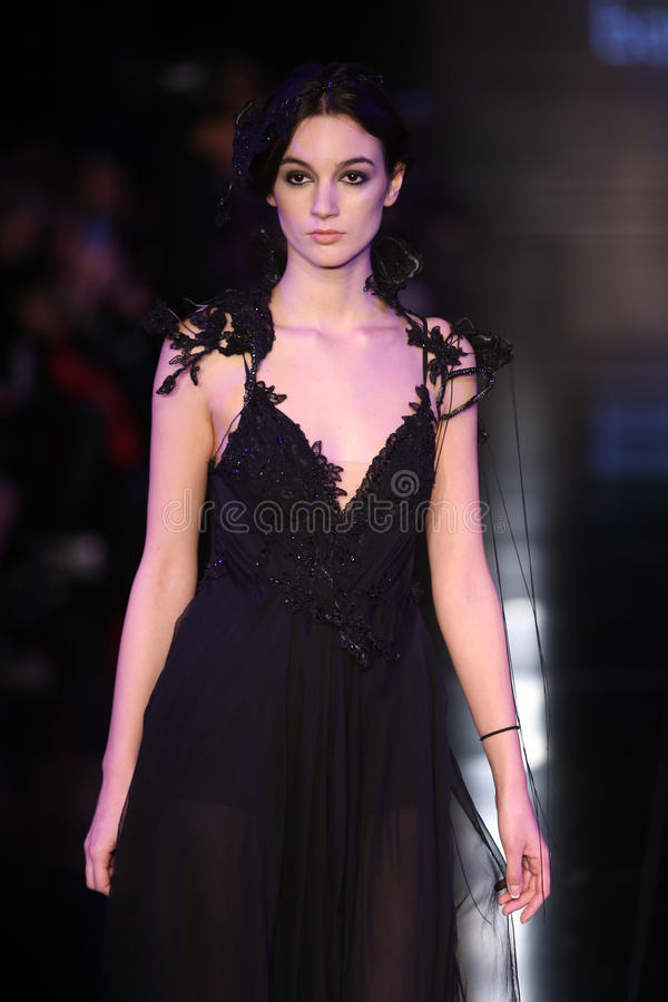 Banu Guven Catwalk photos stock