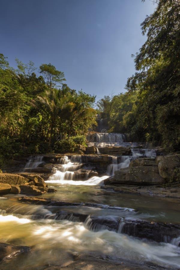 Banyumas Индонезия ajibarang nangga водопада стоковые фотографии rf