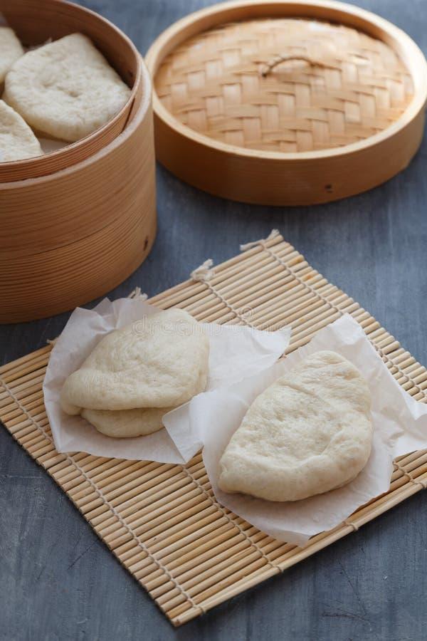 Bao de Gua, bollos cocidos al vapor en el vapor de bambú, bollos del bao fotografía de archivo