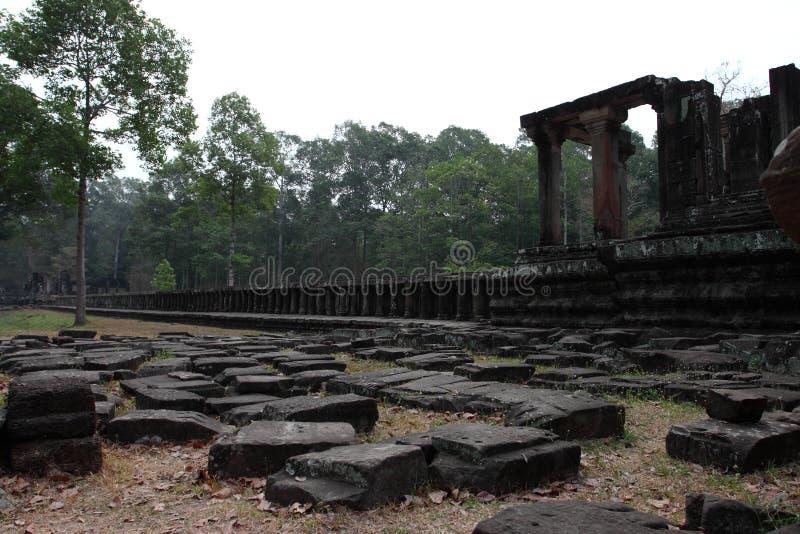 Baphuon Angkor Thom fotografering för bildbyråer