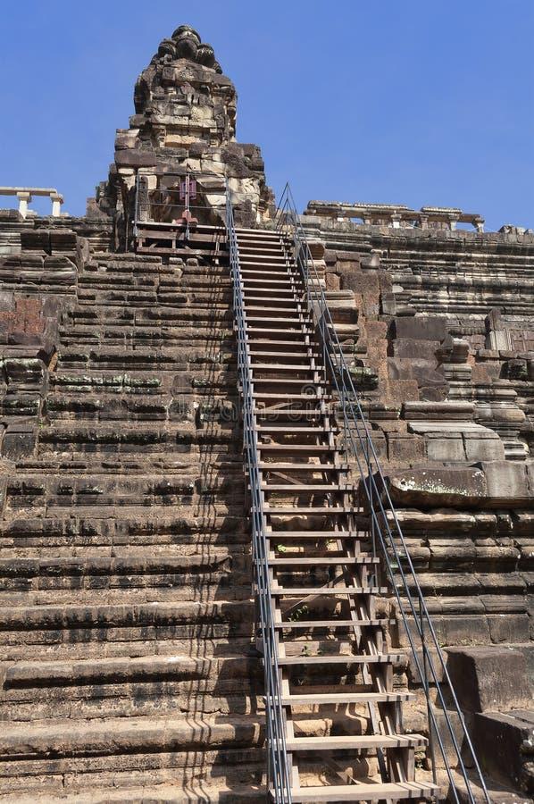 Baphuon tempel. Angkor Thom. Cambodja royaltyfria bilder