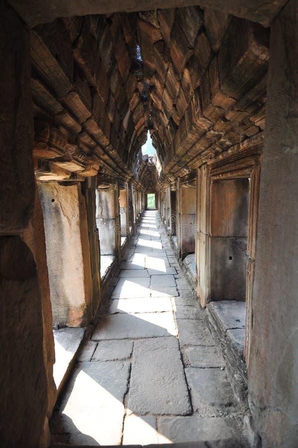 Baphuon tempel, Angkor Thom City, nära Siem Reap royaltyfri foto