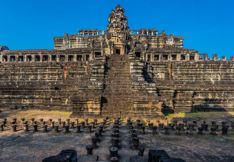 Baphuon tempel Angkor Thom Kambodja royaltyfria foton