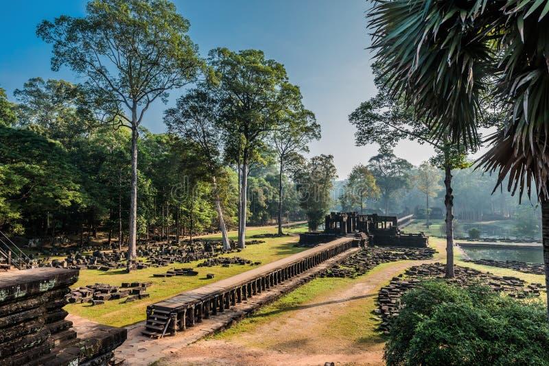Baphuon tempel Angkor Thom Kambodja arkivfoton