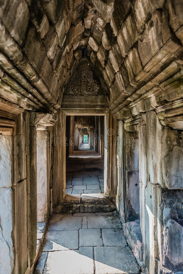 Baphuon tempel Angkor Thom Kambodja royaltyfri bild