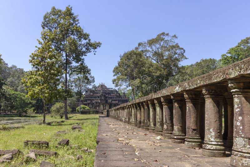 Baphuon tempel i Angkor Thom, den sista och mest bestående huvudstaden av en khmervälden cambodia skördar siem arkivfoto