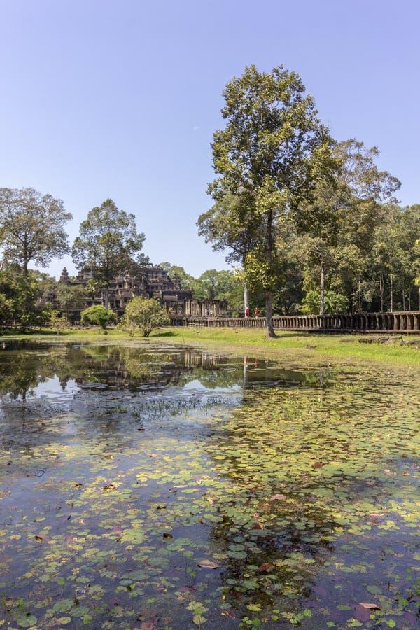 Baphuon tempel i Angkor Thom, den sista och mest bestående huvudstaden av en khmervälden cambodia skördar siem fotografering för bildbyråer