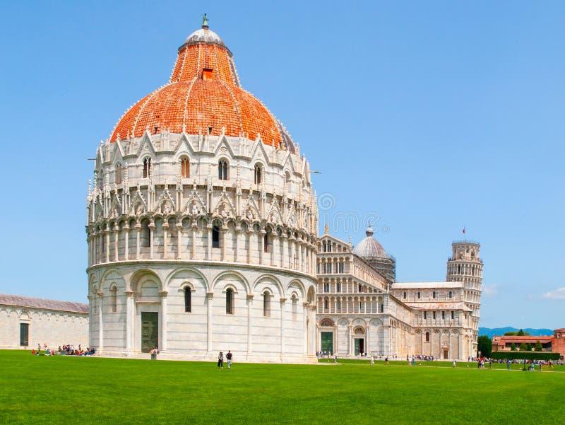 Baptistery de Pisa de St John, di San Giovanni de Battistero, no quadrado dos milagre, Pisa, Toscânia, Itália Mundo do UNESCO fotografia de stock royalty free
