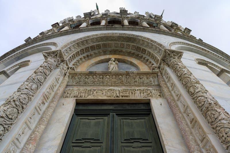 Baptistery em Pisa imagem de stock royalty free