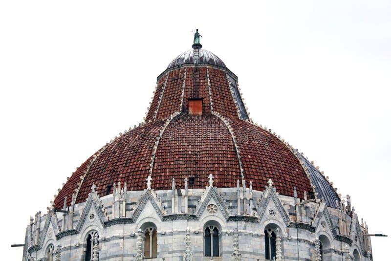 Baptistery i Pisa i Italien royaltyfria bilder