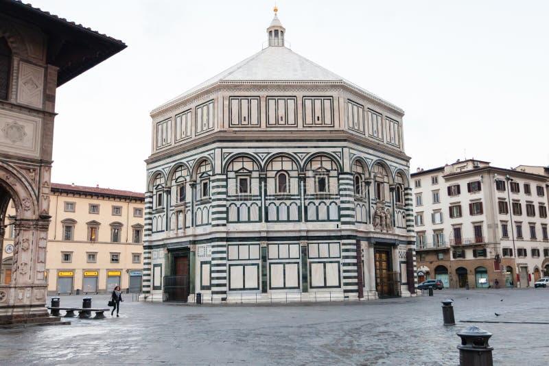 Baptistery och Loggia del Bigallo i morgon royaltyfria foton