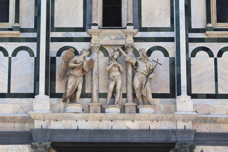 Baptistery San Giovanni em Florença, batismo escultural do grupo de Cristo fotografia de stock royalty free
