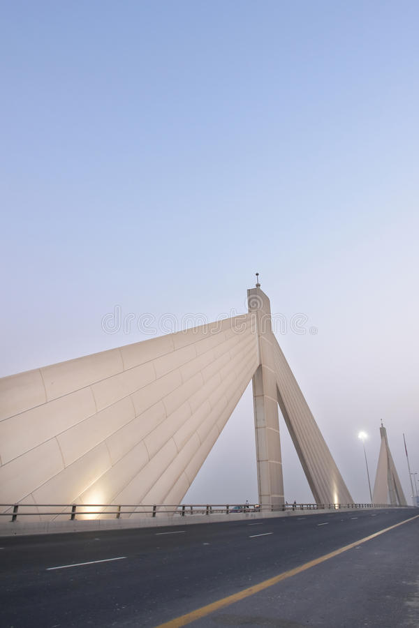 Barém - ponte de Salman do escaninho de Shaikh AIA imagens de stock royalty free