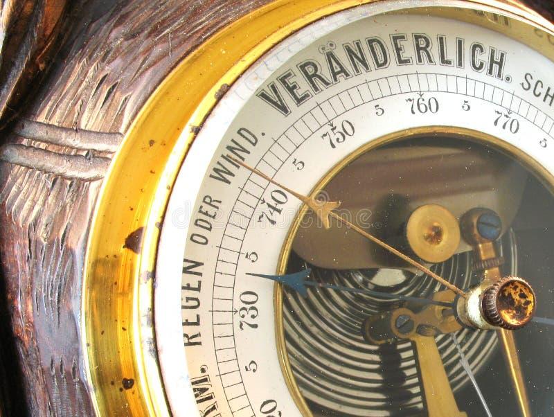 Barómetro viejo imagen de archivo libre de regalías