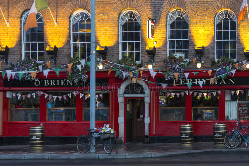 Bar - Dublin - Irlanda imagem de stock royalty free