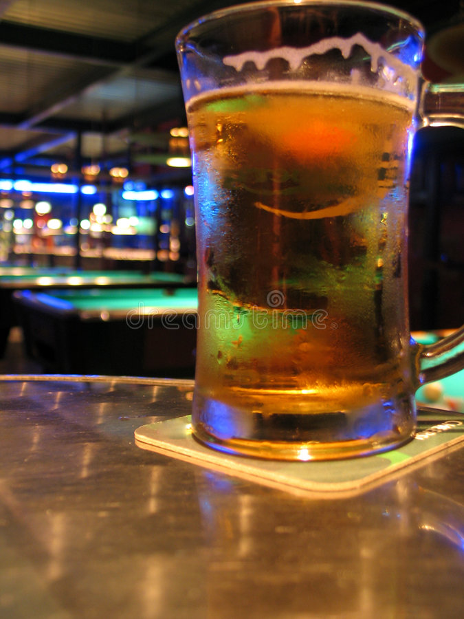 Bar et bière de regroupement images stock