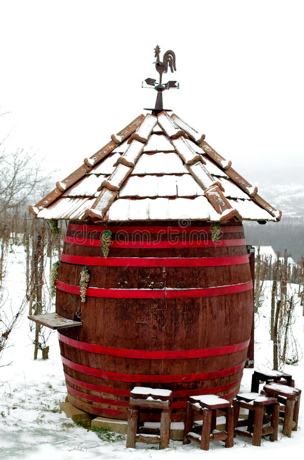 Bar géant local de baril en hiver photos libres de droits