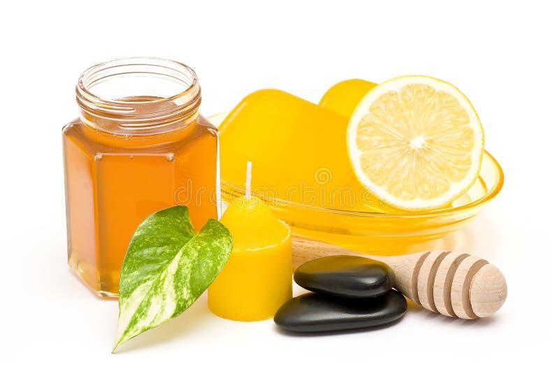 Bar glycerin mydło, słój miód i cytryna fotografia stock