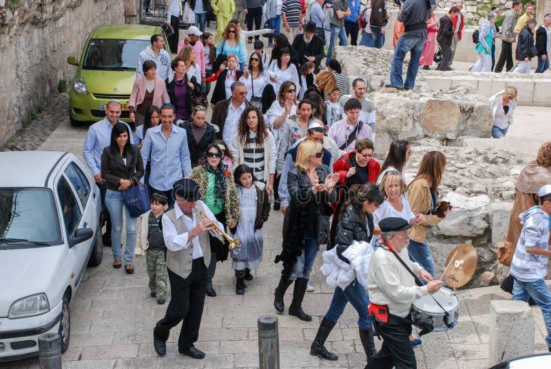 Bar mitzwahritual på den västra väggen i Jerusalem, Israel royaltyfri bild