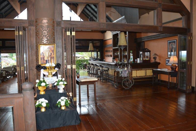 Bar przy Anantara trójboka słonia Złotym kurortem i obozem obraz royalty free