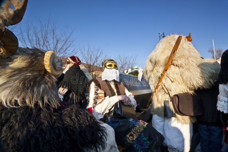 Bara di carnevale con i maskers 'al Busojaras', il carnevale del funerale dell'inverno immagini stock libere da diritti