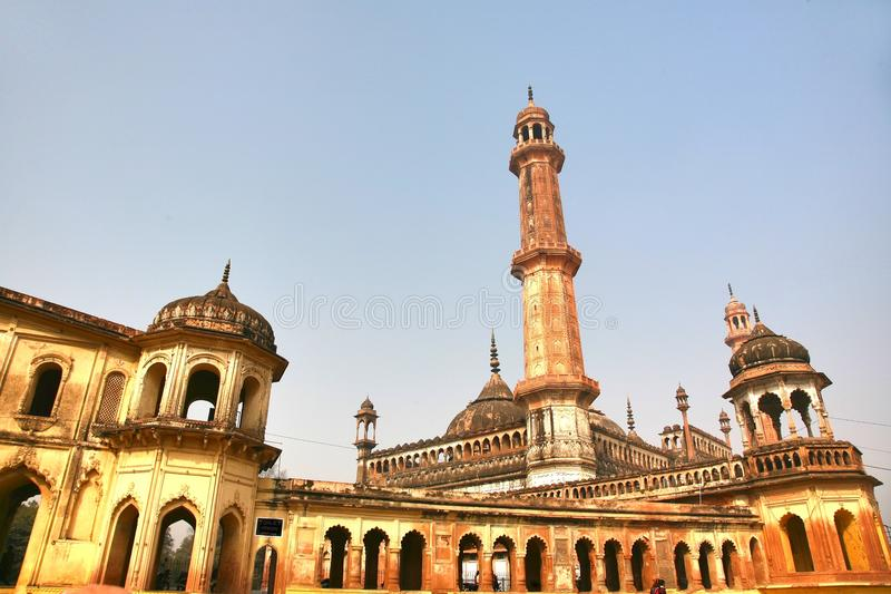 Bara Imambara är ett imambarakomplex i Lucknow, Indien royaltyfri fotografi