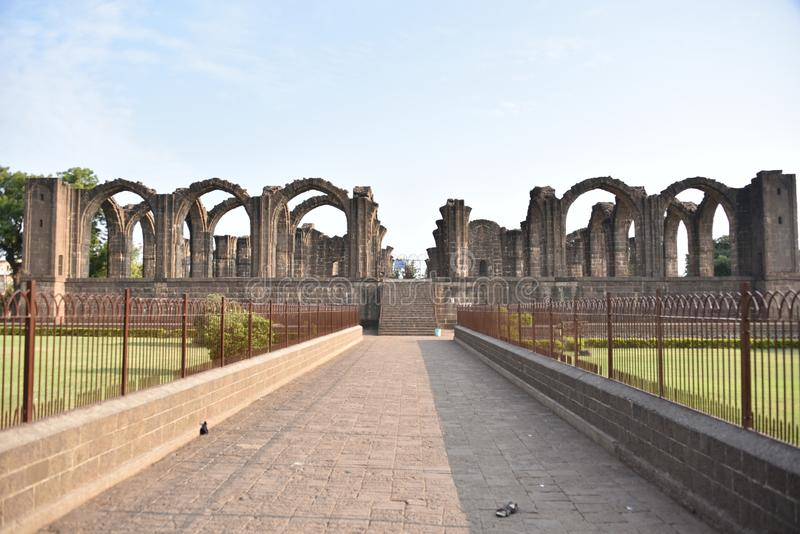 Bara Kaman, le mausolée non fini d'Ali Adil Shah II dans Bijapur, Karnataka, Inde image stock