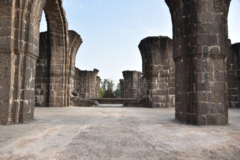 Bara Kaman, o mausoléu inacabado de Ali Adil Shah II em Bijapur, Karnataka, Índia foto de stock