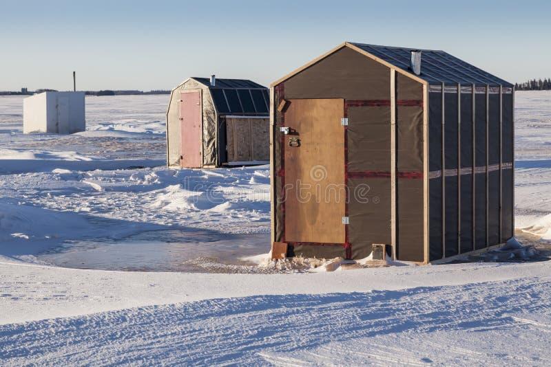 Baracche della pesca sul ghiaccio fotografia stock