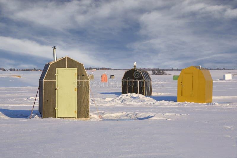 Baracche di pesca del ghiaccio immagine stock