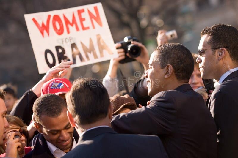 Barack Obama mit Verfechtern stockbild