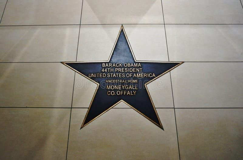 Download Barack Obama Plaza Em Moneygall, Condado De Offaly, Irlanda, Casa Irlandesa Ancestral Do Presidente Obama Fotografia Editorial - Imagem de europa, emigrate: 80100117